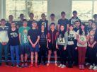 Студенты, занявшие призовые места в  соревнованиях по волейболу и руководитель ФВ  И.С.Семикозова